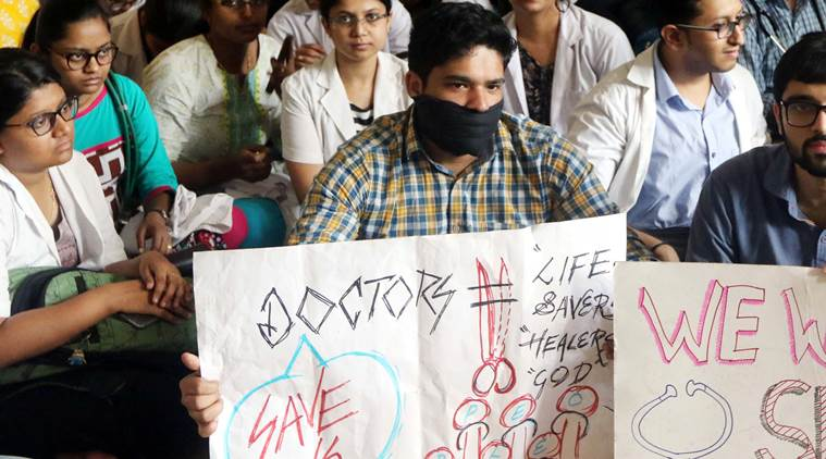 mumbai doctors protest, sion hospital protest, mumbai doctor assaulted, mumbai city news
