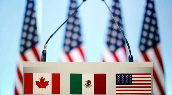 Canada, US making 'lots of progress' as NAFTA talks near deadline