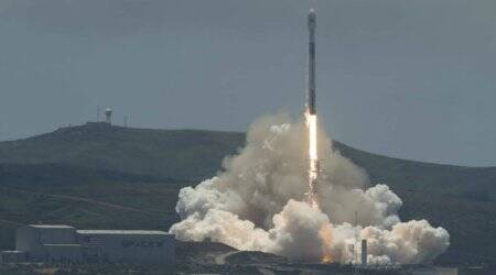 NASA: Twin satellites to track Earth's water launched
