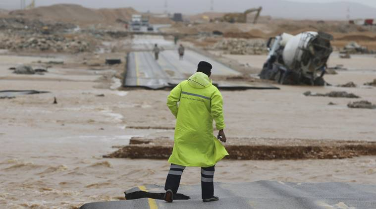 Powerful cyclone strikes Oman, Yemen; five dead, 30 missing