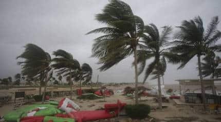 Powerful cyclone lashes Oman, Yemen; 3 dead, 40missing