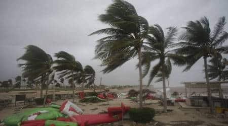 Powerful cyclone lashes Oman, Yemen; 3 dead, 40 missing