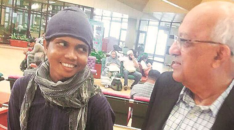 Pakistan returns MP boy who strayed across 5 years ago