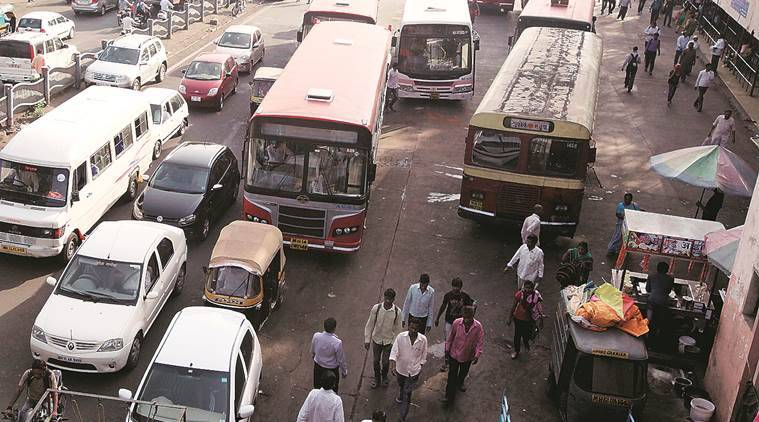 Pune transporatation authority relaunches reward for reporting cellphone use by bus drivers while driving