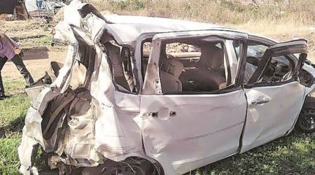 Pune-Mumbai Expressway accident, three killed on Pune-Mumbai Expressway, indian express, pune news, Pune-Mumbai Expressway car accident