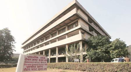 UT issues notice to 135 college teachers
