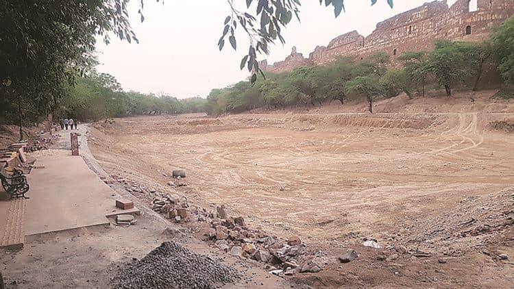 Boat rides at Purana Qila won't return once moat is revived