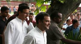 Rahul at OBC meet speech highlights: If India is a bus, Congress gives keys to the people but BJP gives it toRSS