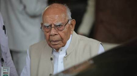 Ram Jethmalani moves SC against Governor's move to invite BJP to form Karnataka govt, calls it 'gross abuse'