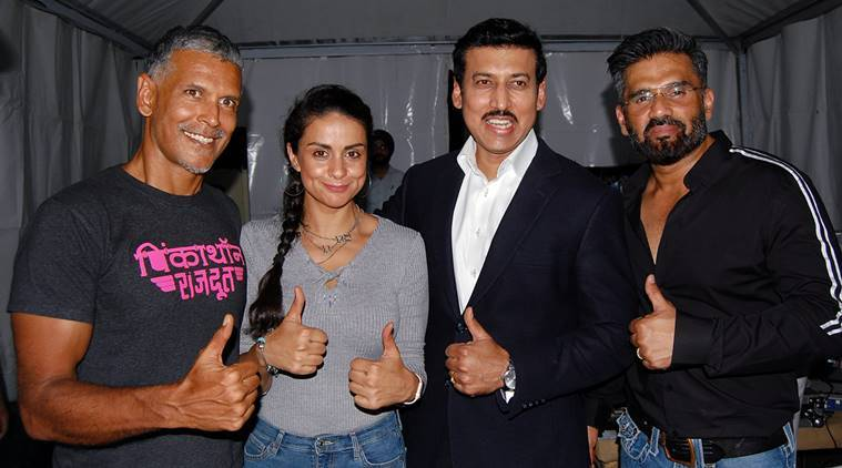 Minister of State for Youth Affairs & Sports and Information & Broadcasting (I/C), Rajyavardhan Singh Rathore with Bollywood actors Suniel Shetty,Milind Soman and Gul Panag during the fit India movement campaign at Central Park, Connaught Place in New Delhi
