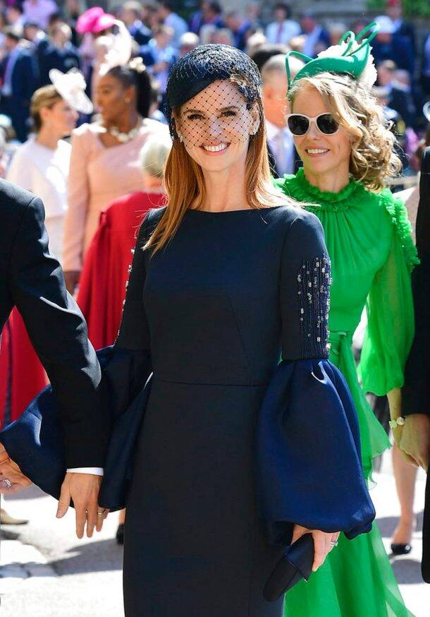 suits actor sarah rafferty at meghan markle wedding
