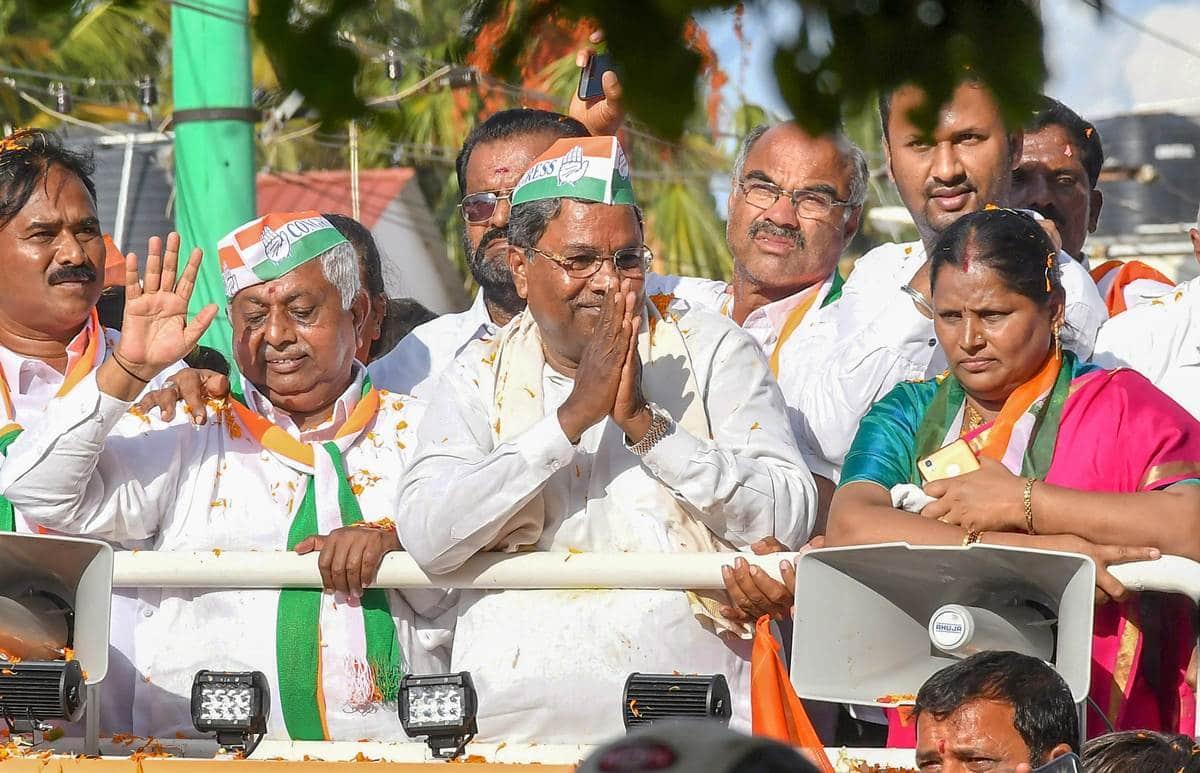 Karnataka Chief Minister Siddaramaiah at a road show in Karnataka. (File)