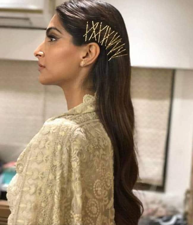 Sonam Kapoor, Sonam Kapoor wedding, Sonam Kapoor wedding photos, Sonam Kapoor wedding dress, Sonam Kapoor hairstyles, Sonam Kapoor interesting hairstyles, Sonam Kapoor fashion, Sonam Kapoor latest photos, indian express, indian express news