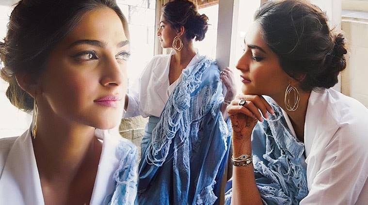 Sonam Kapoor, Sonam Kapoor denim sari, Sonam Kapoor Veere Di Wedding, Sonam Kapoor fashion, Sonam Kapoor Diksha Khanna, Sonam Kapoor saris, Sonam Kapoor fusion fashion, indian express, indian express news