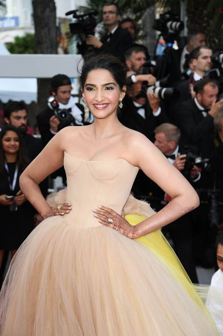 sonam kapoor look at cannes 2018