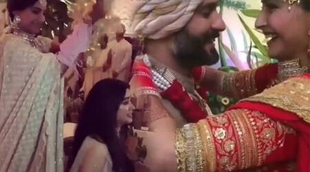 VIRAL VIDEOS: A sneak peek from Sonam Kapoor-Anand Ahuja's grand wedding