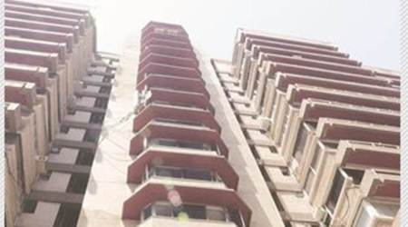 Mumbai: Foreign national 'jumps' from 11th floor, dies