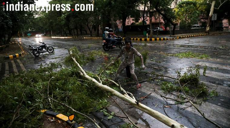 Thunderstorm claims 3 lives, flights, metro hit; storm to continue for next 48-72 hours