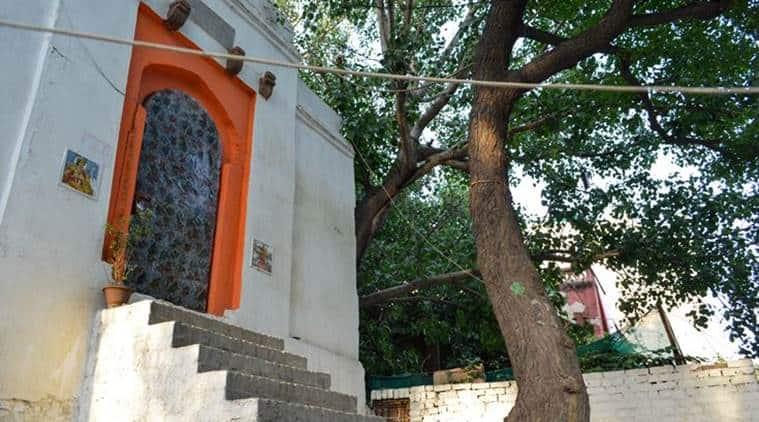 Tomb to temple in safdarjung delhi
