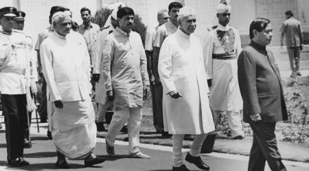 Lessons from the past: Can Kumaraswamy repeat Deve Gowda's giant killer act in1996?
