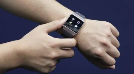 Wearable tech beats smartphone sales to power Asia'sgrowth