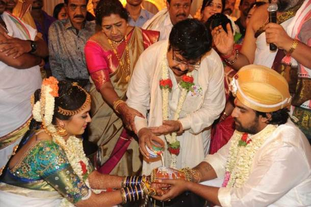 Meghna gets blessings from parents