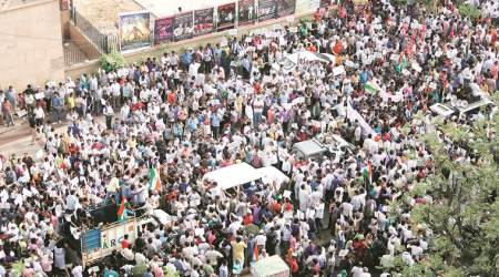 Arvind Kejriwal still at L-G's residence: Hundreds hit the streets, many roads locked down