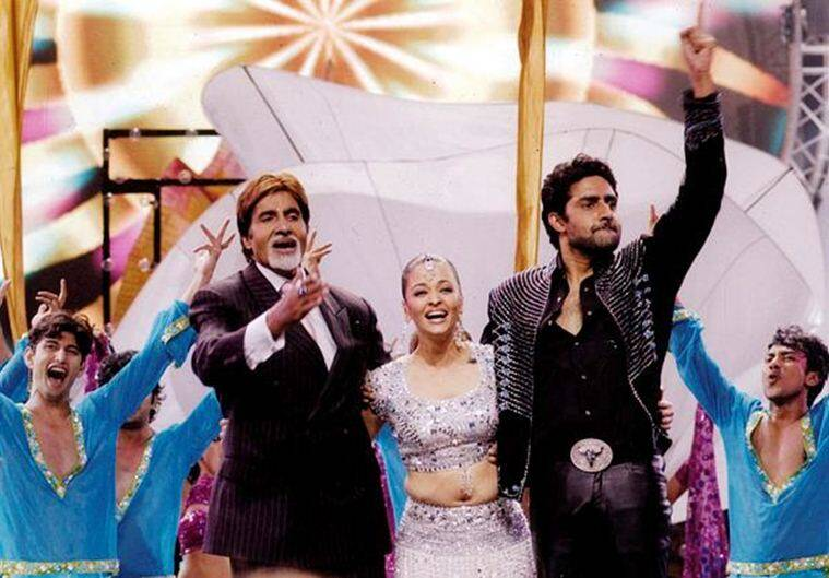Aishwarya rai dance with amitabh bachchan and abhishek bachchan