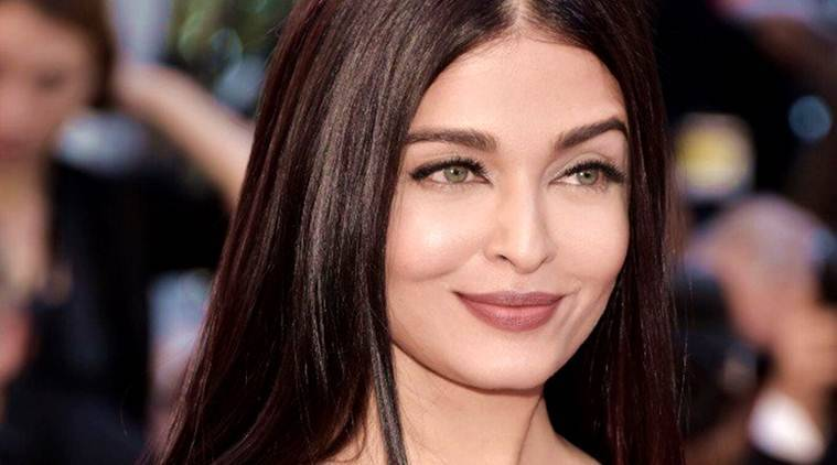 We are all for ethnic whites, but Aishwarya Rai Bachchan's outfit is a BIG disappointment