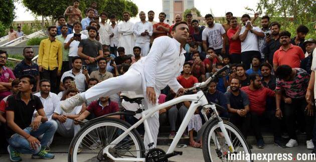 Akhilesh Yadav cycling, plays cricket