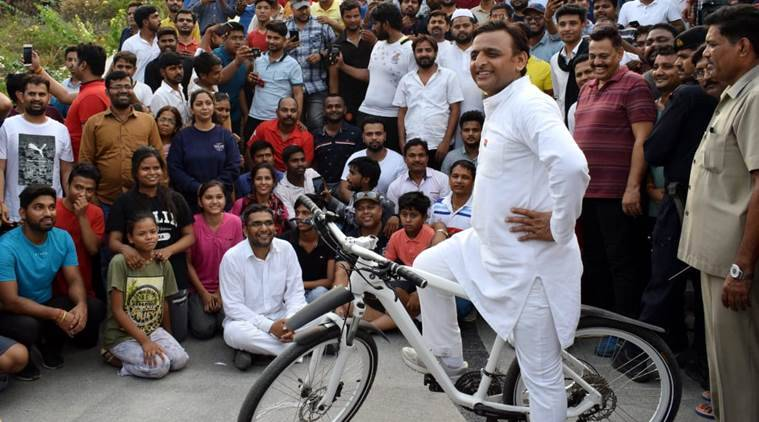 The Samajwadi Party (SP) chief pedaled his way to the river front and played cricket for around 20 minutes there. (Express photo/Vishal Srivastava)