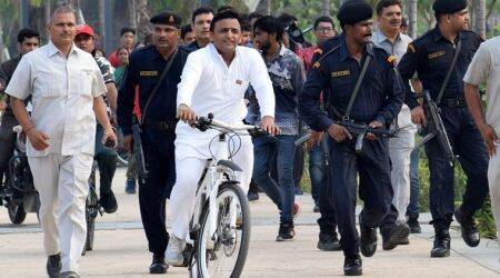 Akhilesh Yadav goes cycling near Gomti, takes pot shots at Yogi government