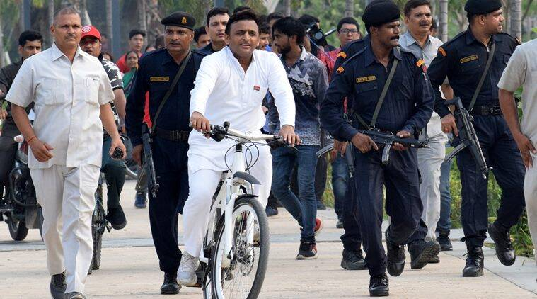 akhilesh yadav, akhilesh yadav azamgarh, akhilesh yadav lok sabha seat, akhilesh yadav lok sabha elections 2019, uttar pradesh lok sabha elections, election news, azamgarh lok sabha seat, sp-bsp alliance, Lok sabha polls, decion 2019, General elections 2019, election news, Indian express