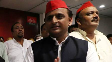 Bungalow row: Officials who used to 'pick up cups and plates' maligning my name, says Akhilesh Yadav