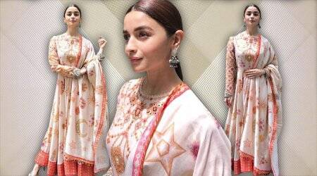Alia Bhatt woos with her peppy traditional style in this pastel-shaded anarkali