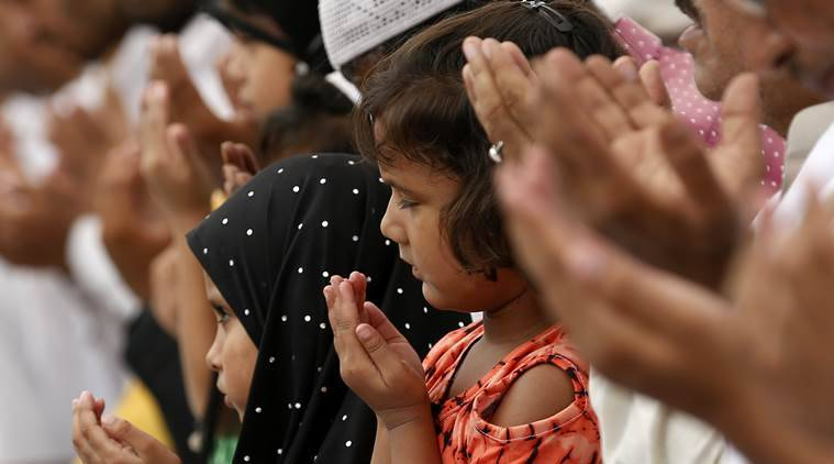 RSS Muslim wing to hold Eid Milan; SP, Congress see it as 'gimmick'