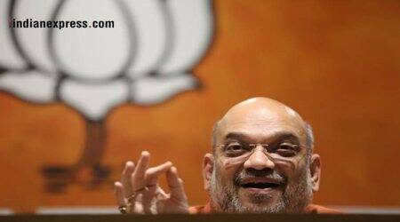 Amit Shah meets Gayatri Parivar head, seeks support for 2019