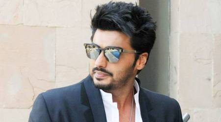 Arjun Kapoor's grandmother threatens and bribes him to get married soon