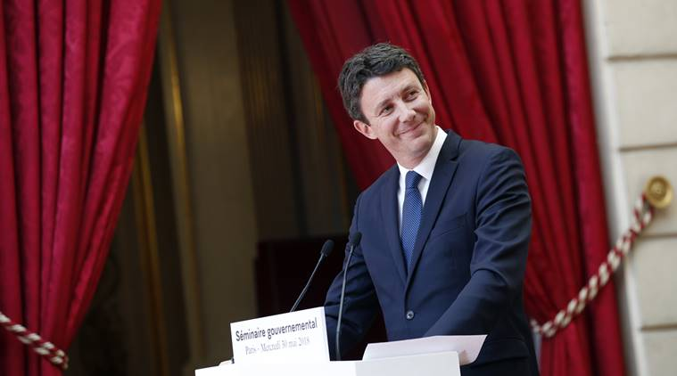 Italian premier to meet Macron amid migrant row