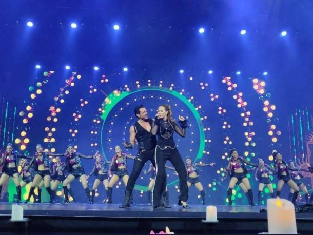 bobby deol and iulia vantur iifa awards 2018