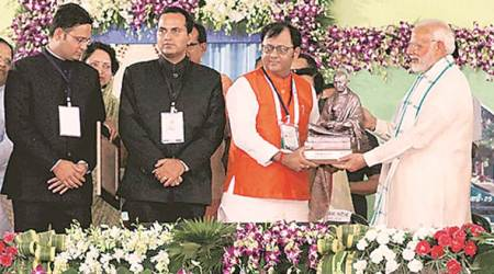 Swachh Survekshan award: Chandigarh Mayor, municipal commissioner receive honours