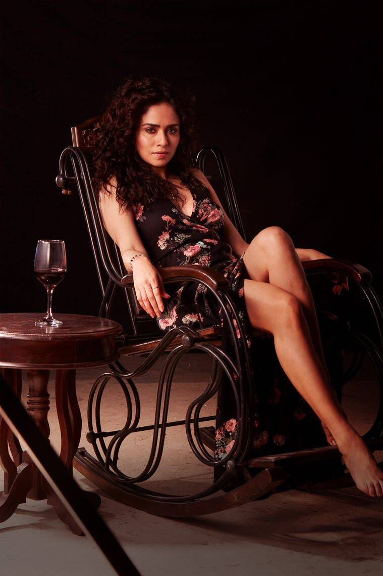 Amruta Khanvilkar in damaged