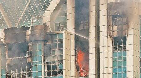 Mumbai: Major fire breaks out at Beaumonde Towers, doused after fivehours