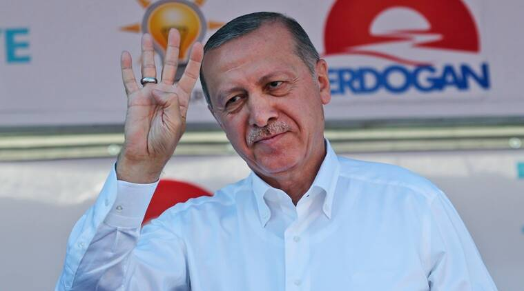 Turkey's Erdogan, main rival stage final election rallies