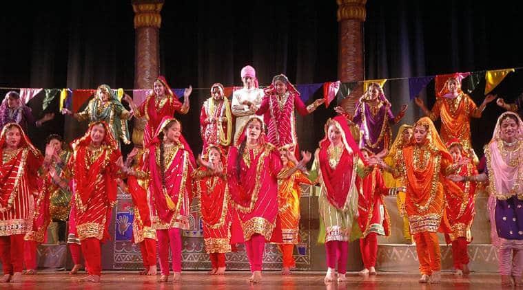 Dancing Uncle, Sanjeev Srivastava, Govinda song, Chanhassen, Minnesota, naagin dance, Anil Kapoor, Ram Lakhan, indian express