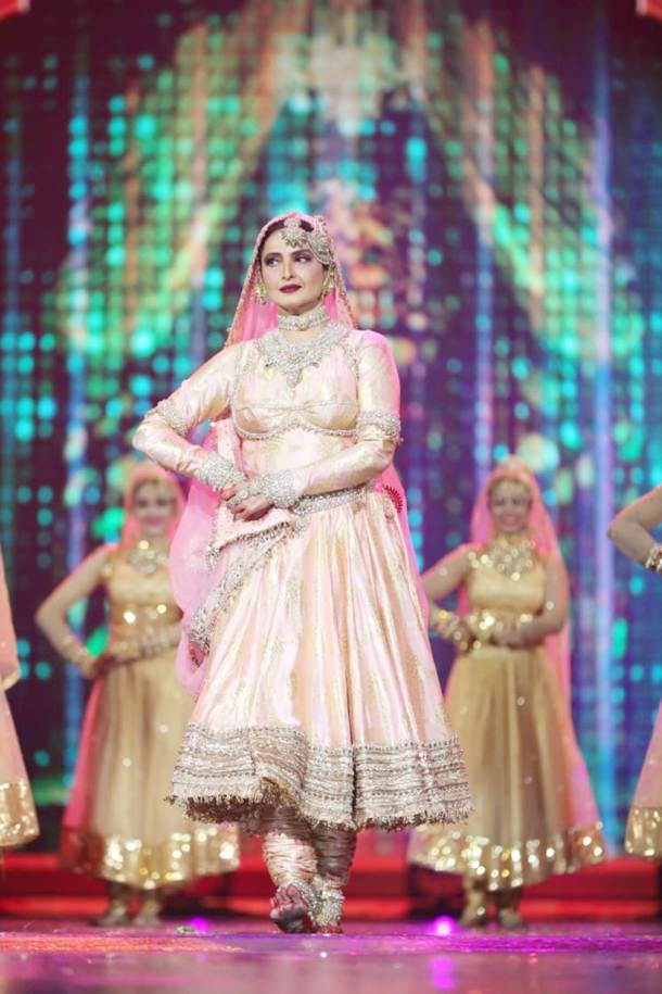 Rekha performance in IIFA 2018