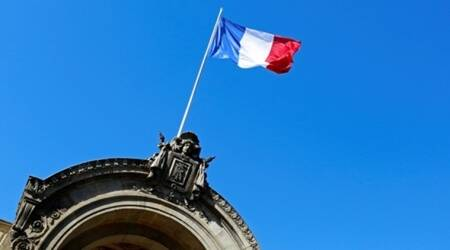 France replaces 'race' with 'sex' in its constitution
