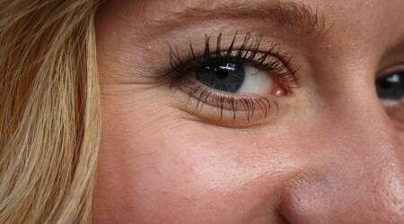 People with wrinkled eyes appear more sincere