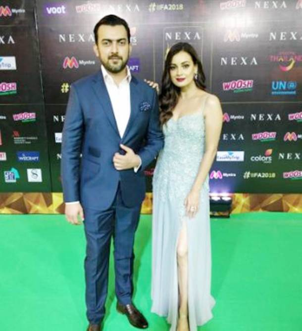 dia mirza with husband sahil at IIFA 2018
