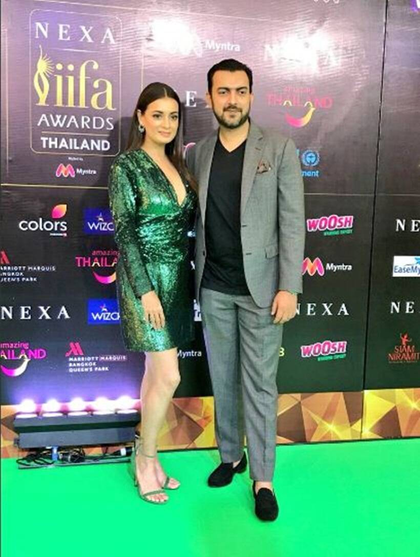 Dia Mirza with husband Sahil Sangha at iifa green carpet